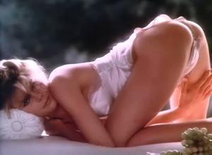 Naked mariel hemingway
