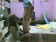 Mexicana grabada a escondidas dando una mamada