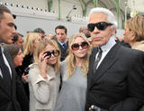 Mary-Kate & Ashley Olsen x8UHQ - arrive at the Chanel Fall Winter 2008/09 fashion show 2008-02-29
