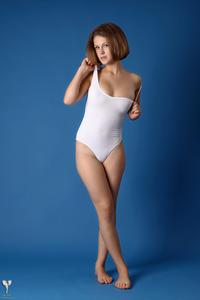 http://img219.imagevenue.com/loc946/th_364882532_tduid300163_silver_angels_Sandrinya_I_whiteswimwear_1_008_122_946lo.jpg